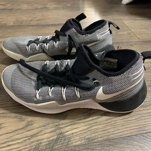 Nike hypershirt Black And White Shoes
